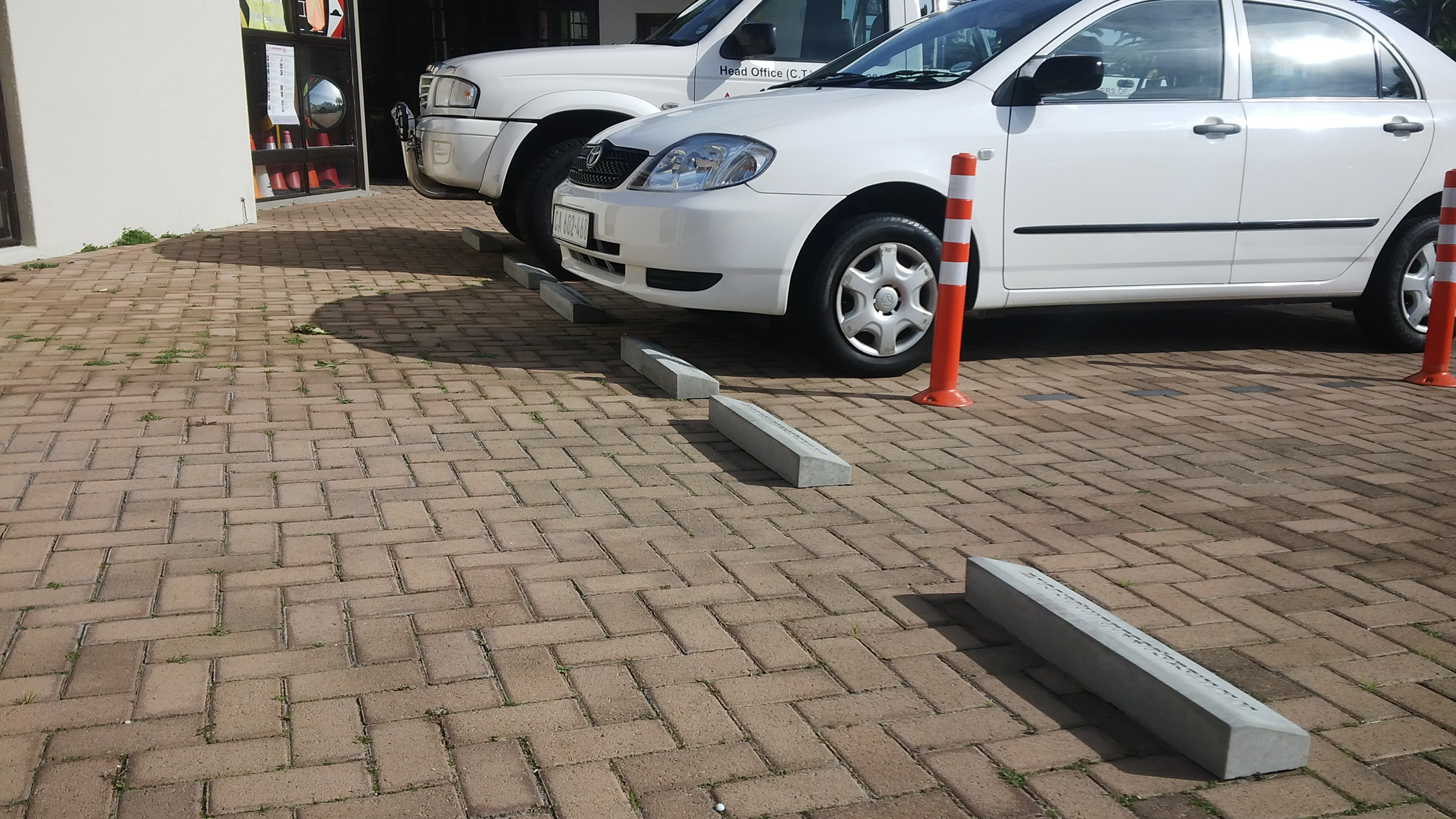 Epoxy Speed Bumps : S a speedbumpsconcrete block parking stops sa speedbumps